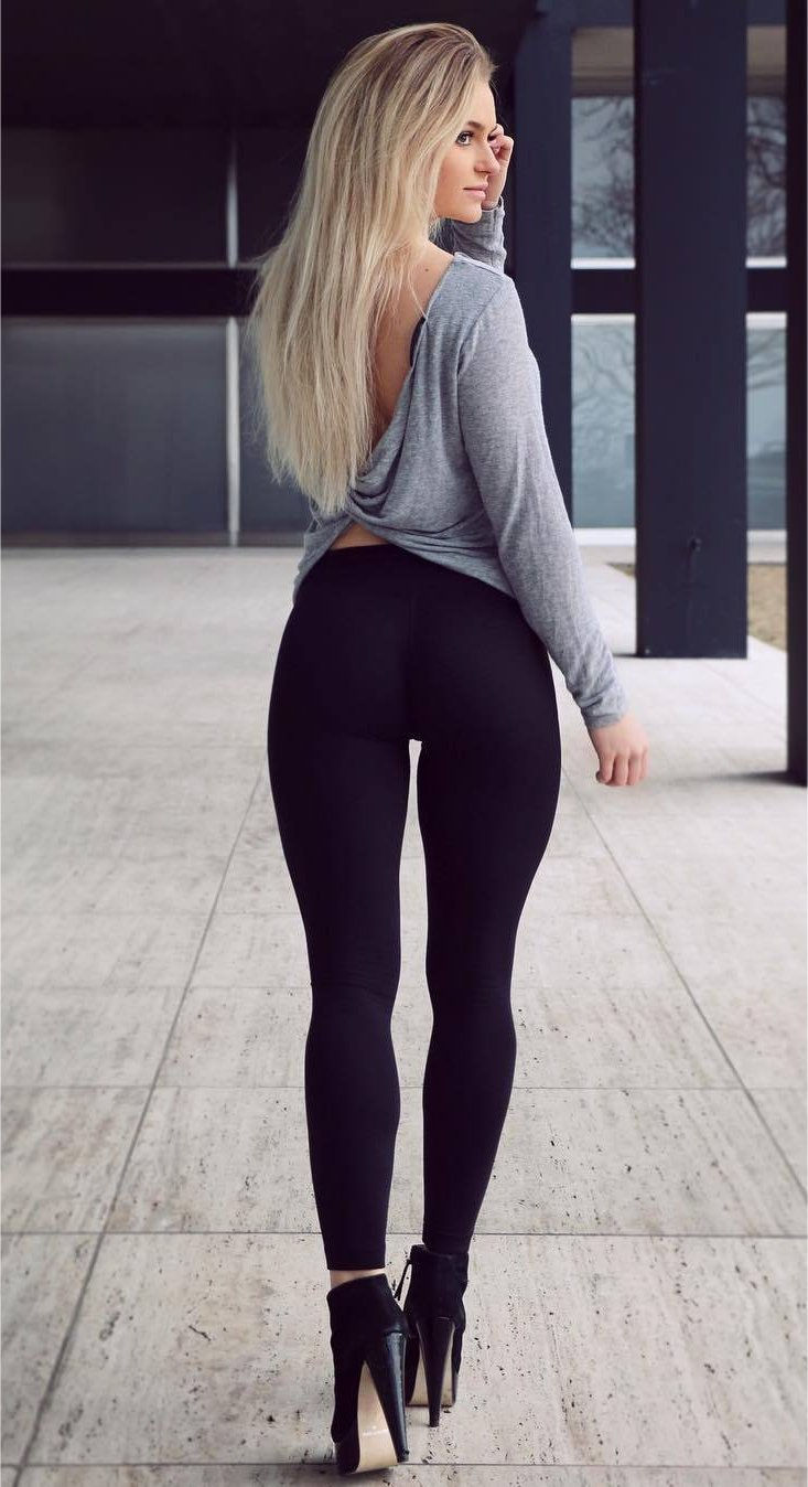 Sexy ladies in tights